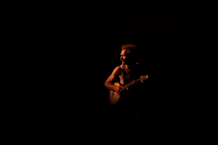 Curtis Eller performs at Weimar New York for Obama, by David Kimelman